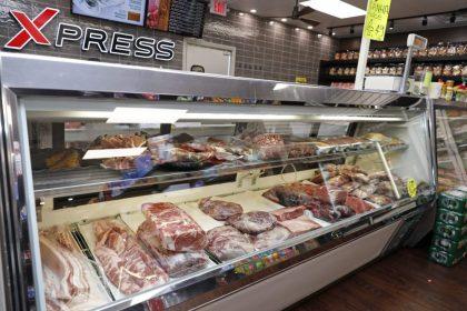 Açougue Xpress Meat Market  em nova instalação – No Plaza ao lado do antigo endereço